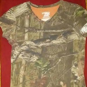 Women's camo t shirt